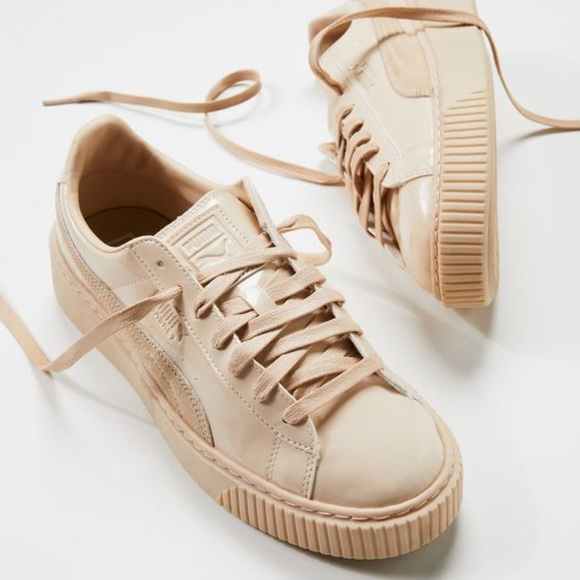 Puma basket platform sneaker in patent leather 7.5